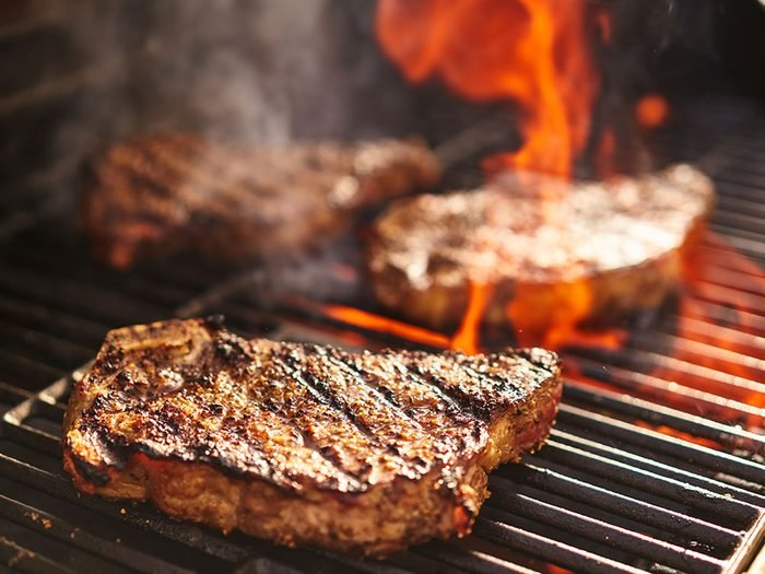 Use vinegar to clean a grill