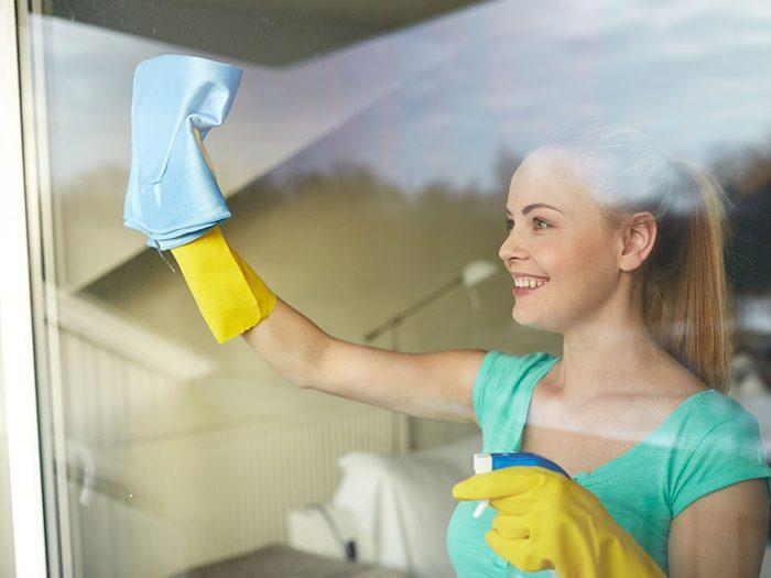 Use vinegar to clean windows