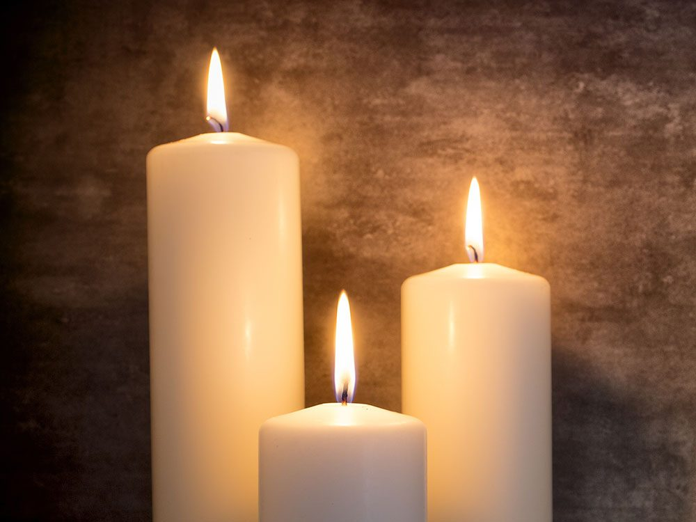 Use vinegar to remove candle wax