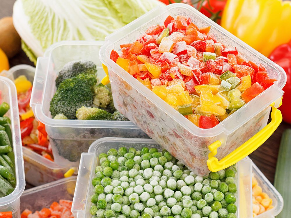 Uses for vinegar - clean plastic food containers