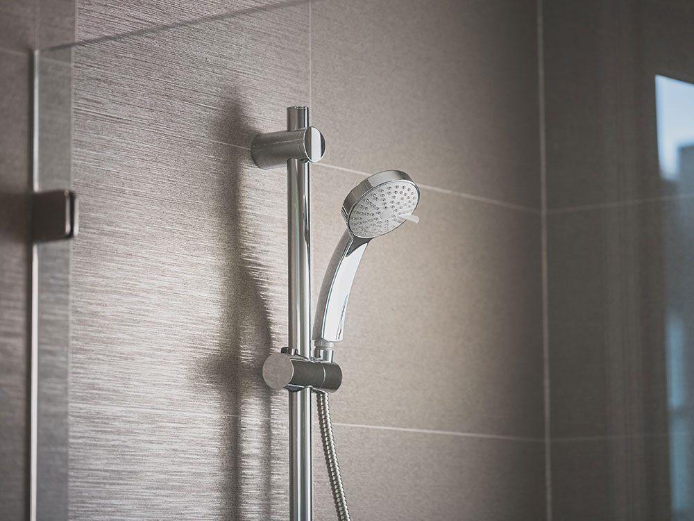 Uses for vinegar - clean shower