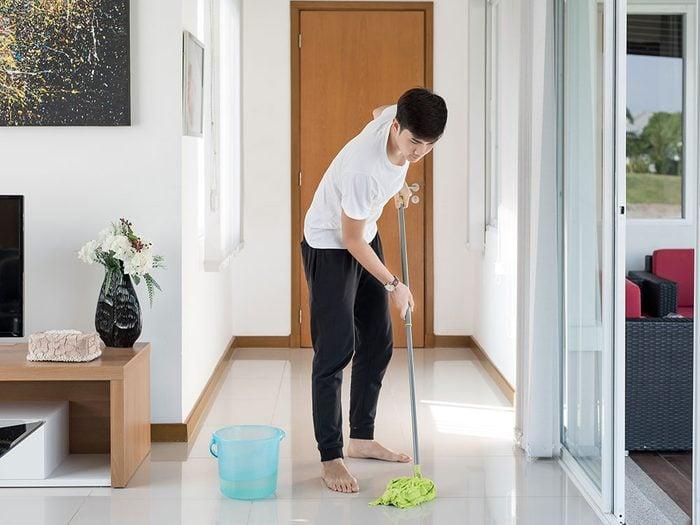 Uses for vinegar - cleaning tile floors