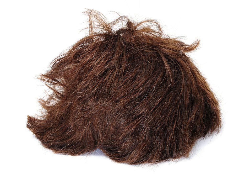 World's dumbest criminals - brown wig