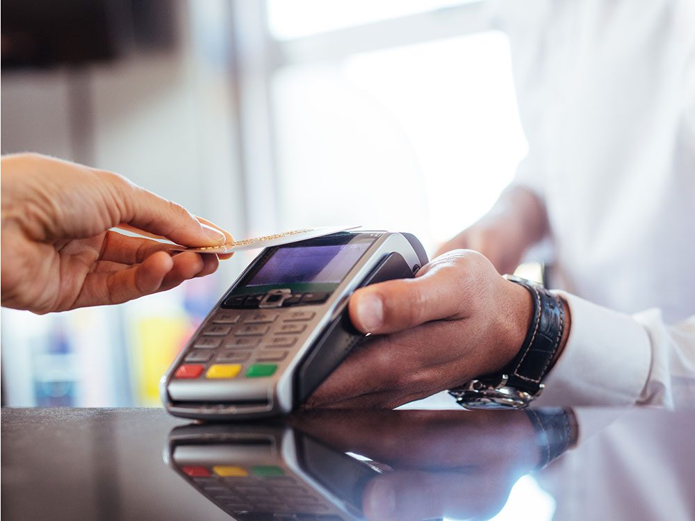 World's dumbest criminals - credit card payment