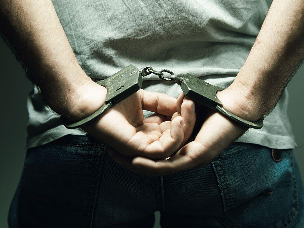 World's dumbest criminals - handcuffed