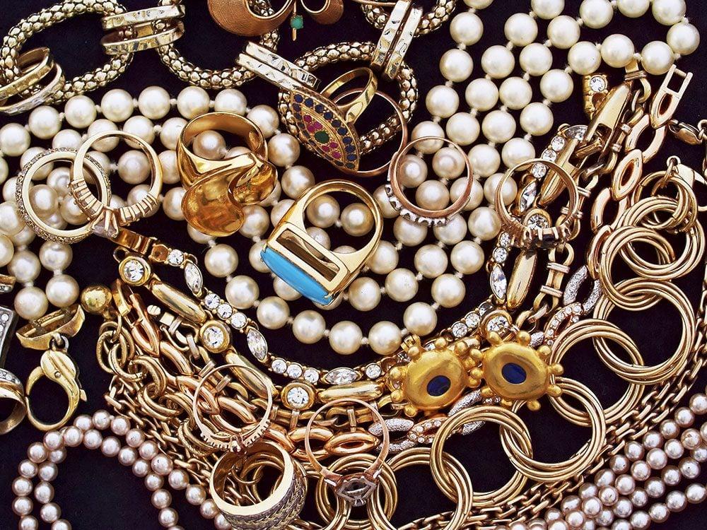 World's dumbest criminals - jewellery thieves