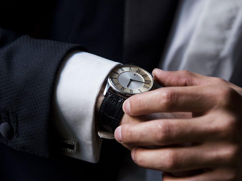 World's dumbest criminals - wristwatch