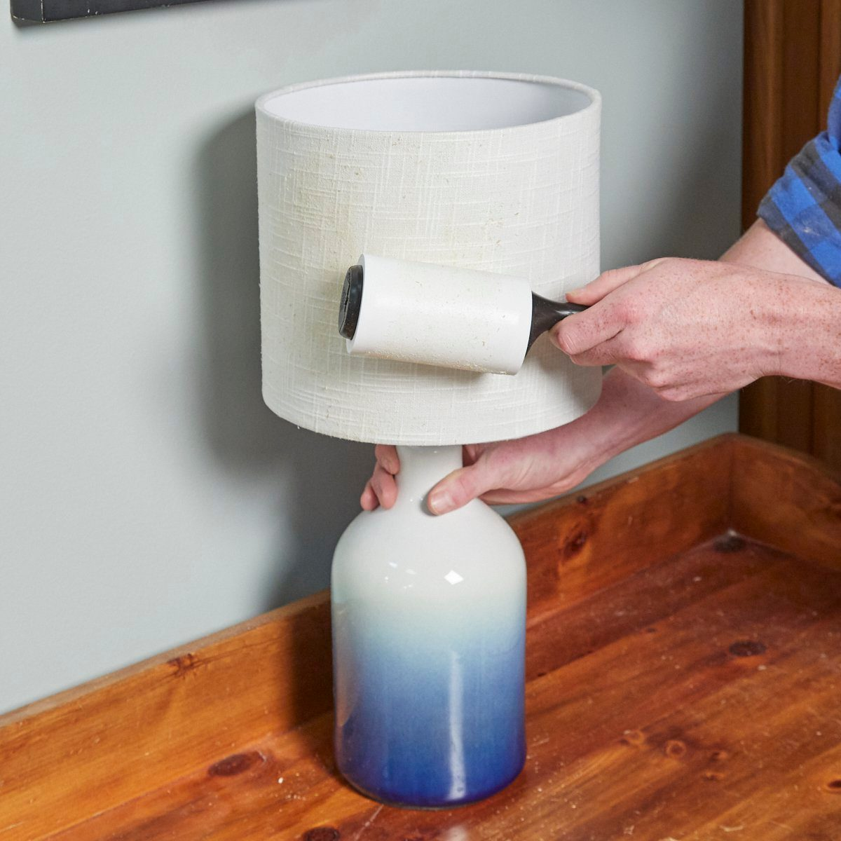 Lampshade Lint Roller HH