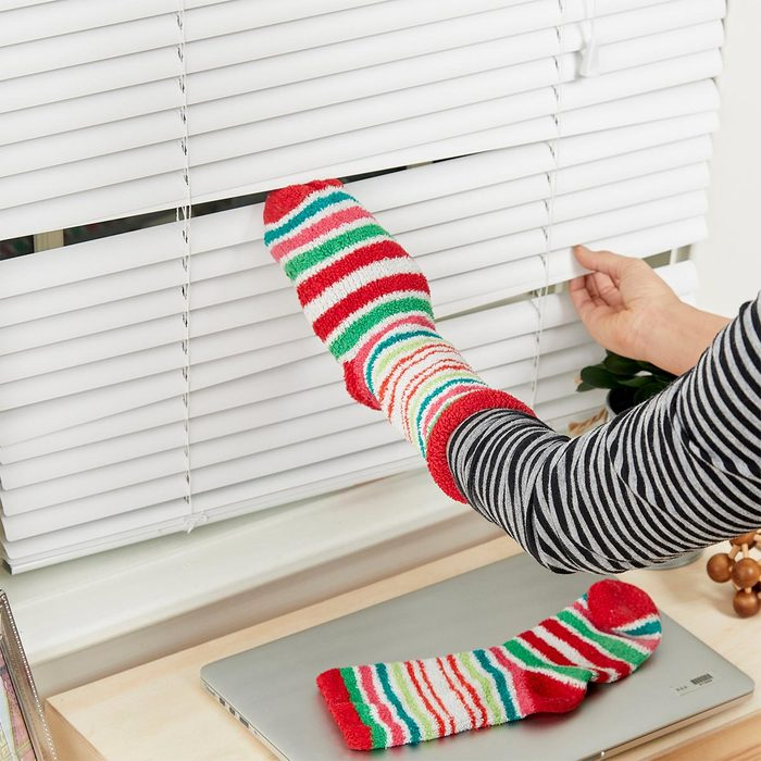 sock to clean window blinds