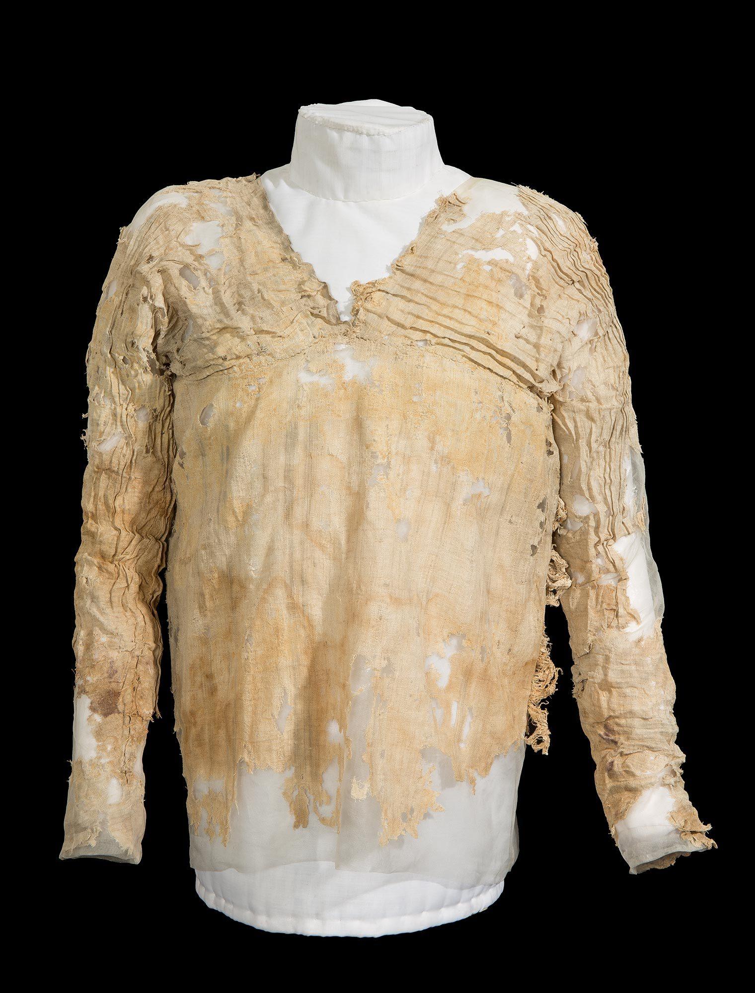 Oldest linen dress
