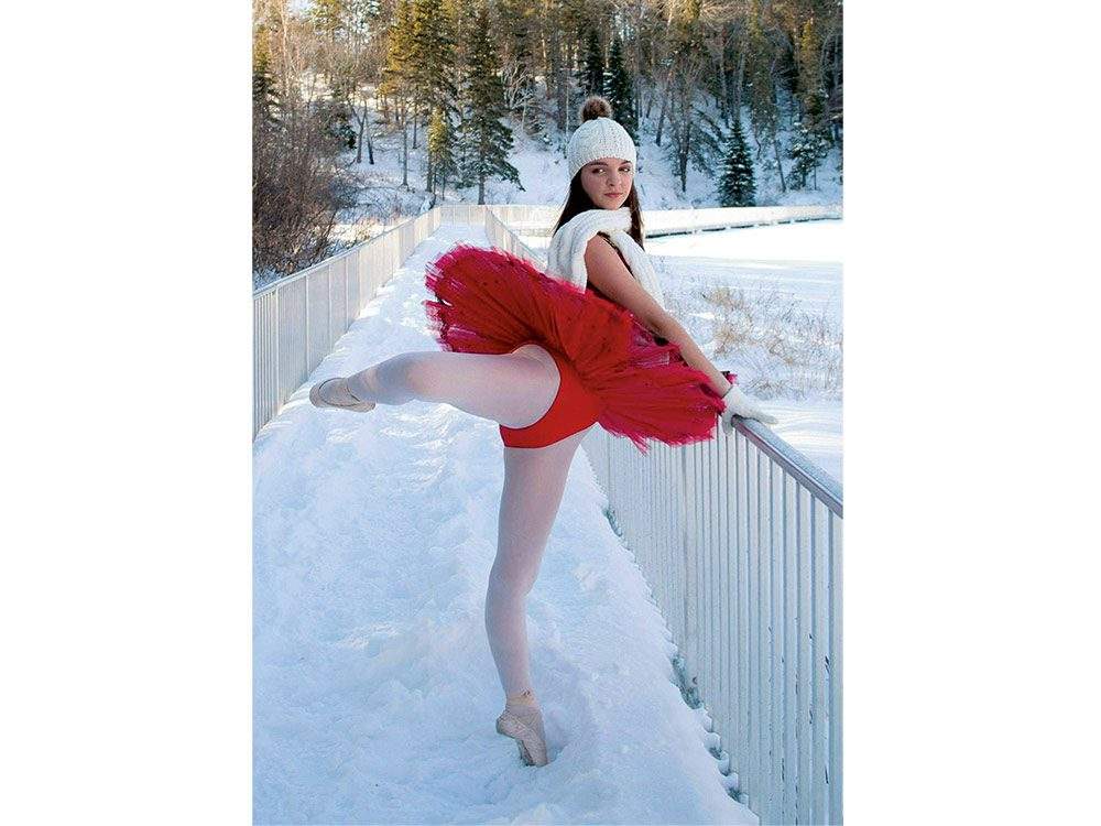 Child ballerina in the snow