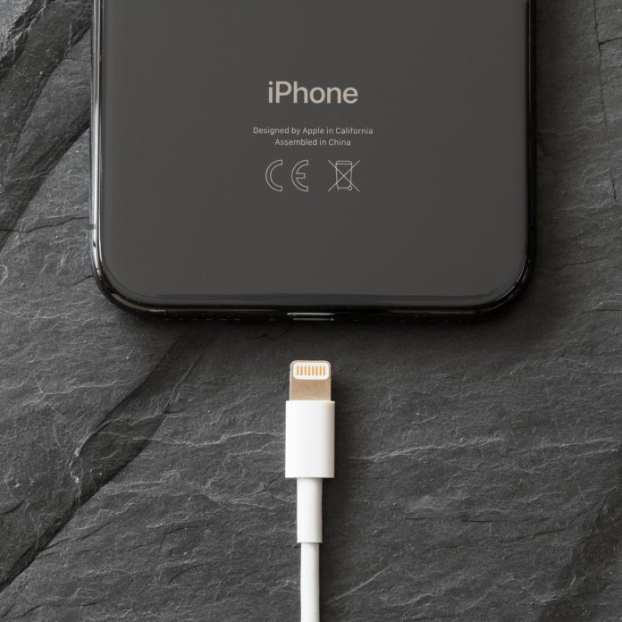 Here's How to Charge Your Phone as Quickly as Possible