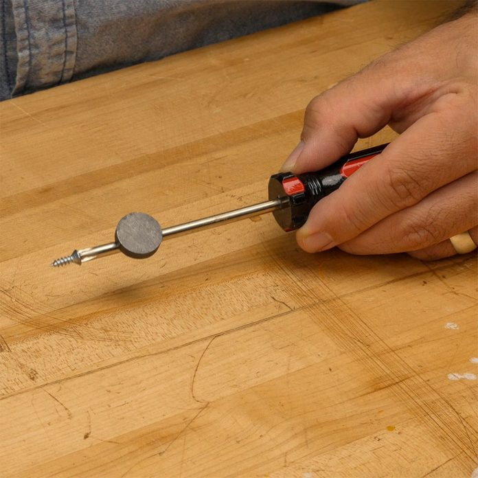 how to magnetize a screwdriver