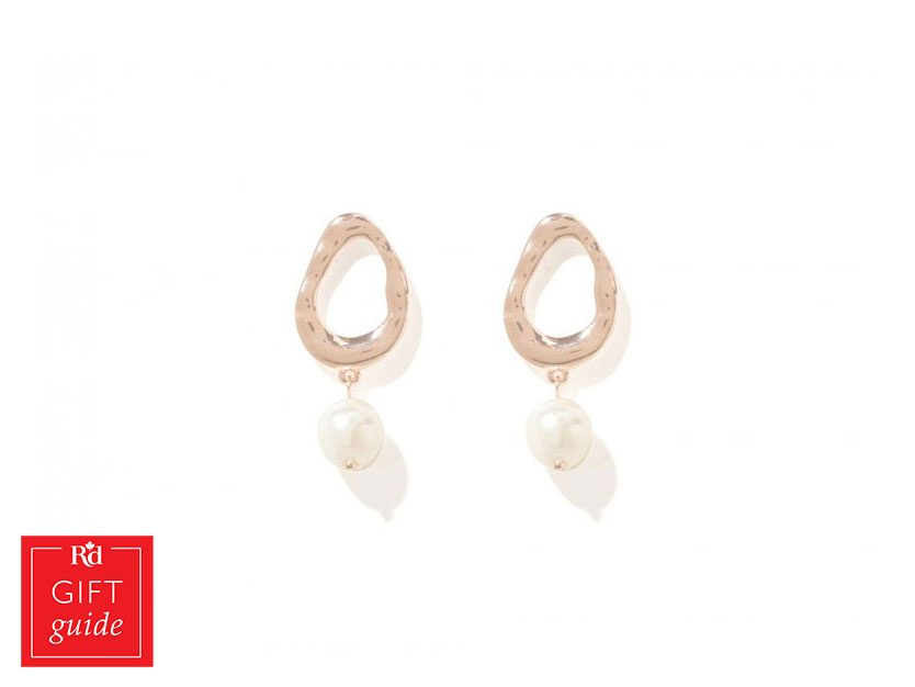 Mother's Day gifts - pearl earrings