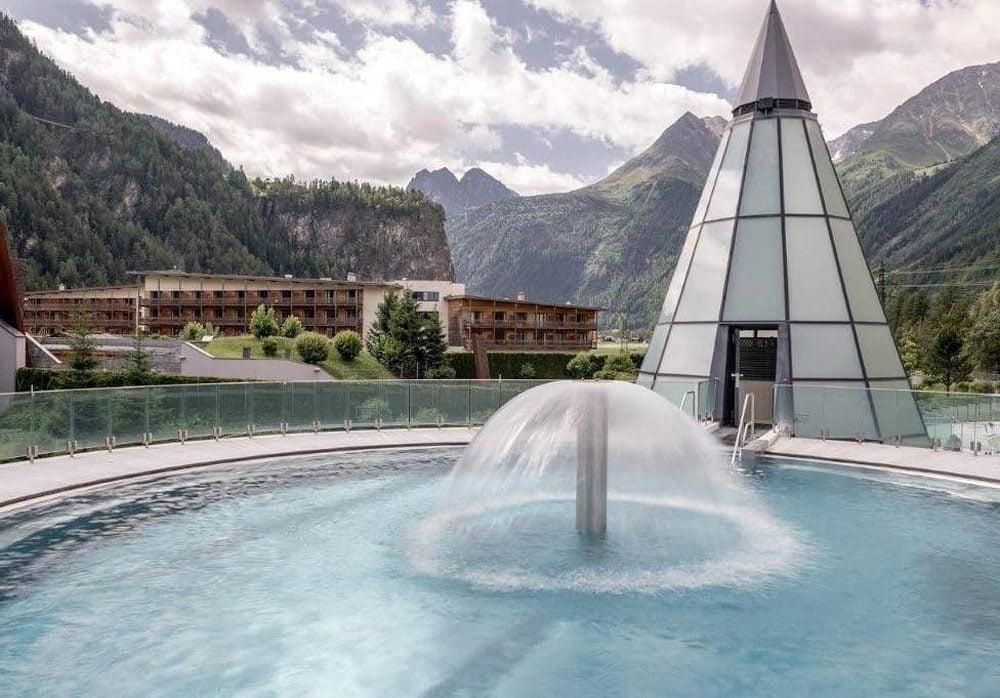 Thermal Floating Bowls, Aqua Dome Hotel, Oberlängenfeld, Austria