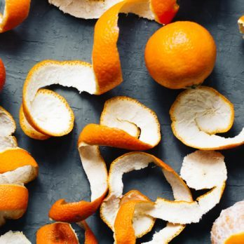 16 Surprising New Uses For Old Oranges