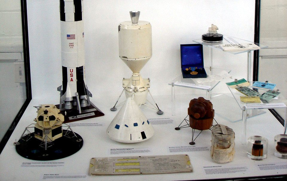 Canadians space exploration - Owen Maynard's Apollo models