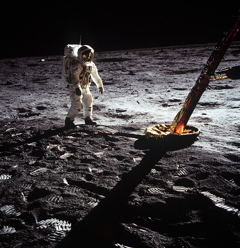 Canadians space exploration - Apollo landing leg