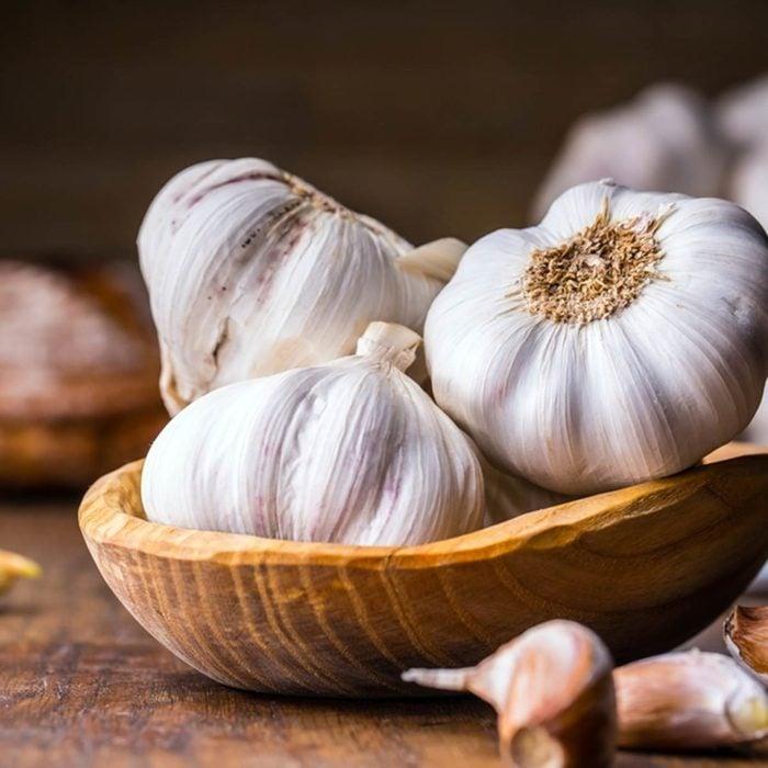 Microwave tricks - Bowl of garlic