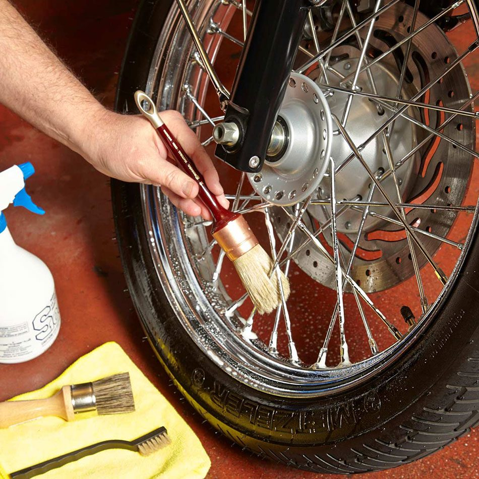How to clean a motorcycle - step 2