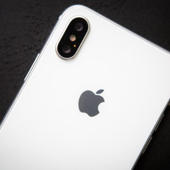 Apple's Chief Design Officer Says You're Using Your iPhone Wrong