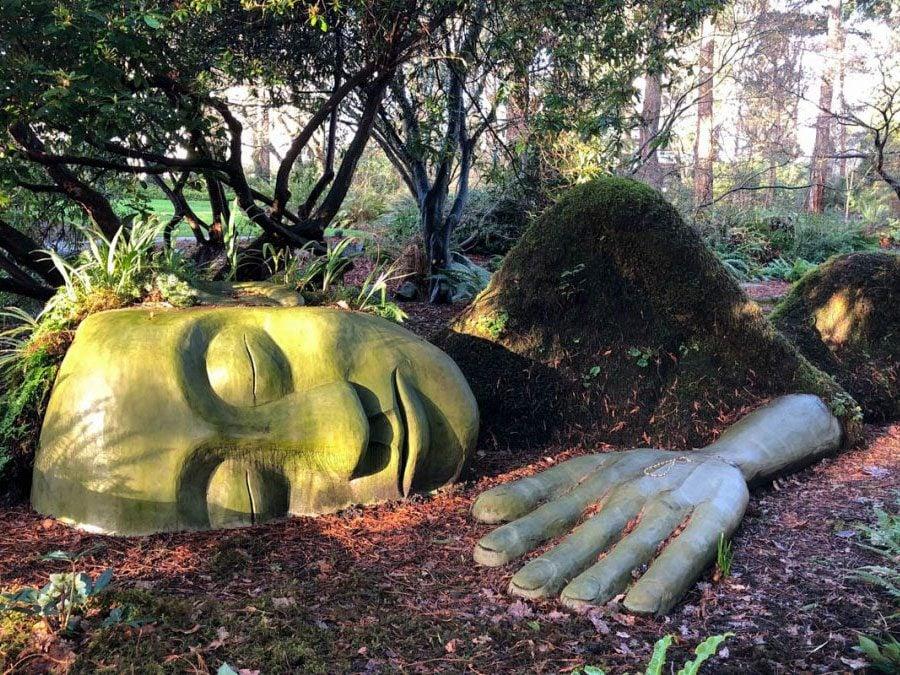 Roadside attractions across Canada - Moss Lady