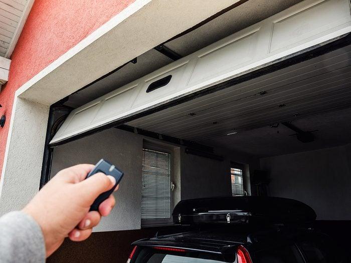 Ways burglars break in - garage door opening
