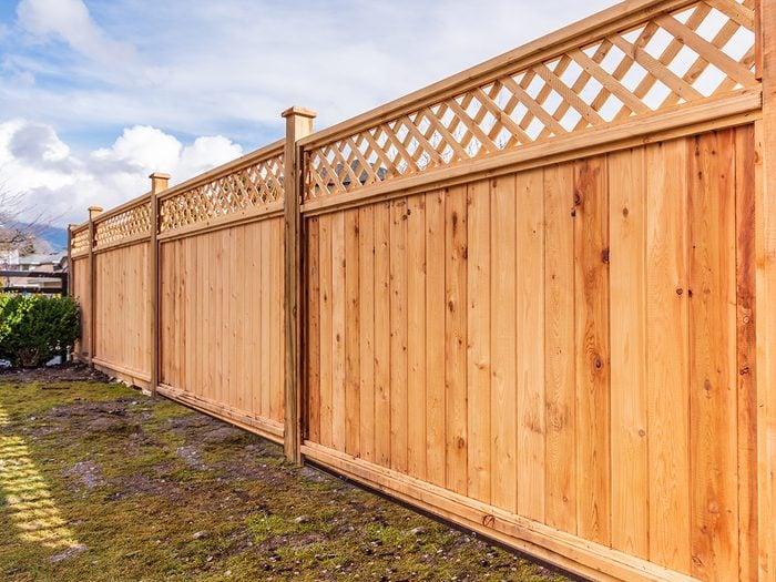 Ways burglars break in - fence