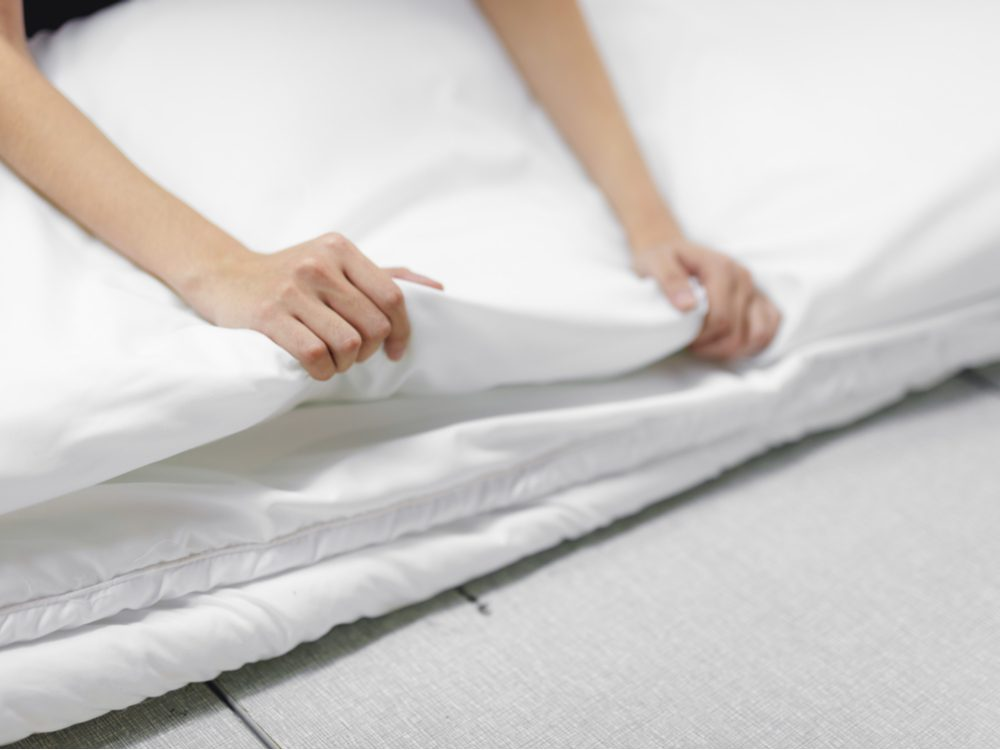 Folding bed sheets