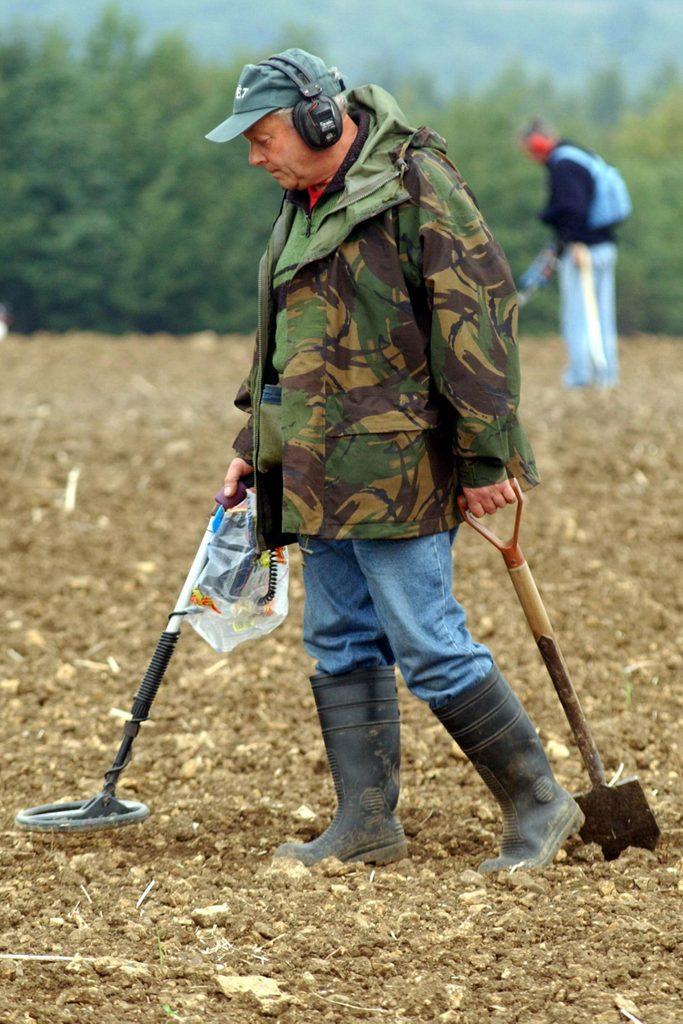 Metal Detecting, Ripon, North Yorkshire - 07 Sep 2003