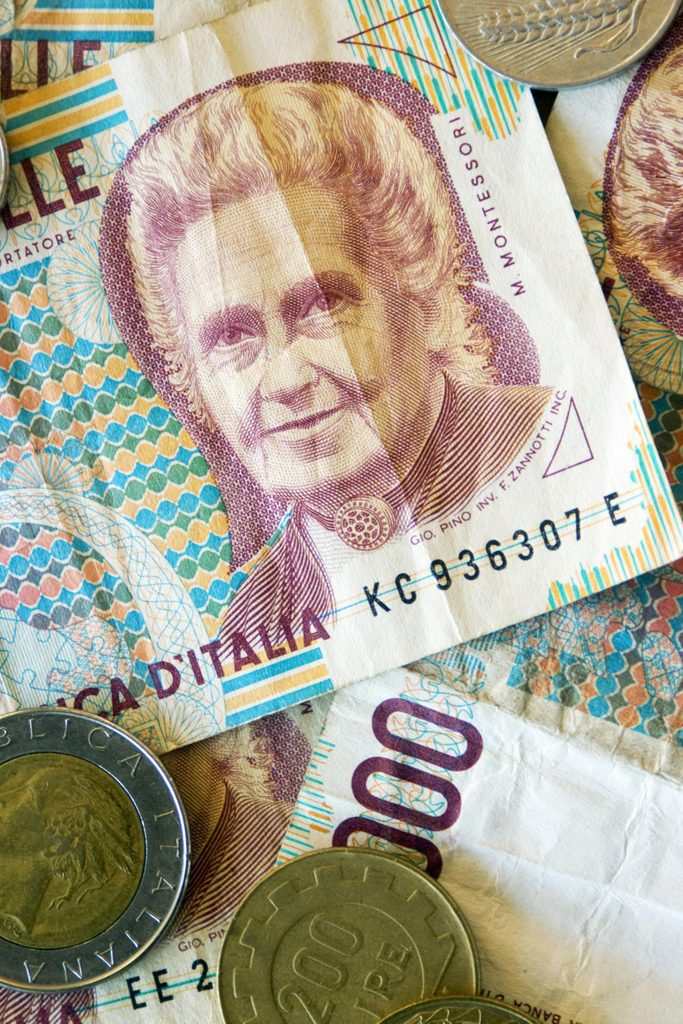 Lira coins and bills, former Italian currency