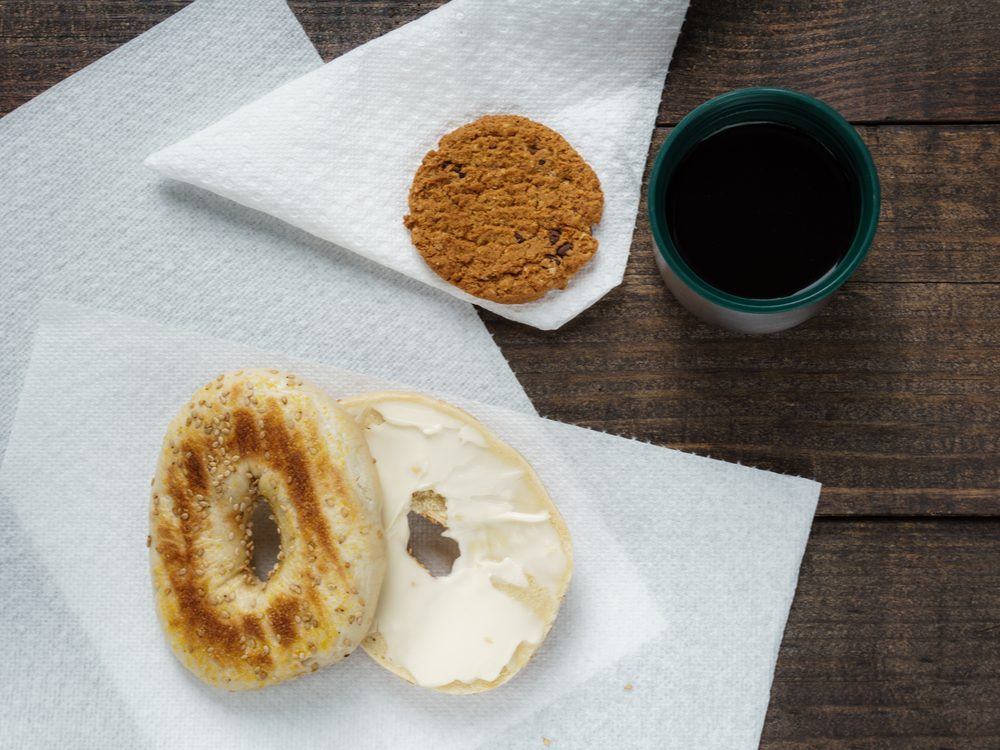 food tweets bagel paper towel