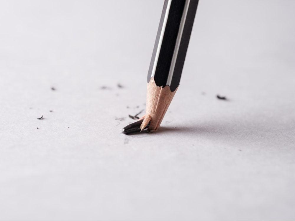 funny tweet broken pencil