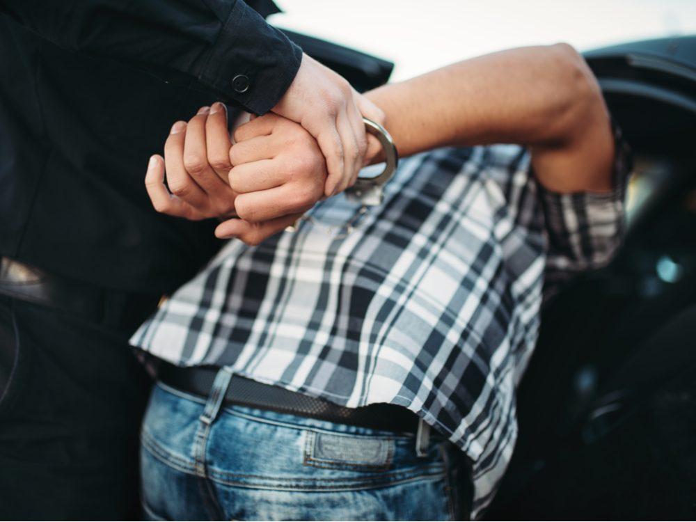 funny tweets arrest