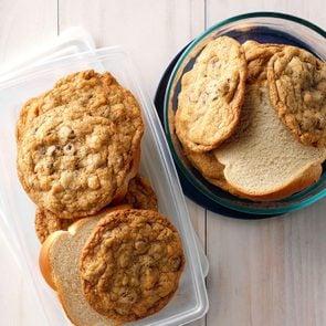 Kitchen hacks - Keep cookies fresh
