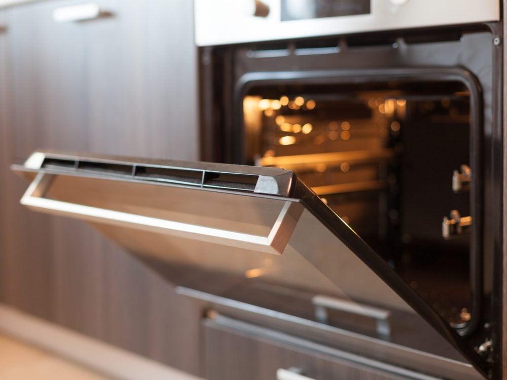 kitchen appliance mistakes oven
