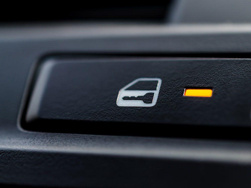 Car security tips - keep car doors locked