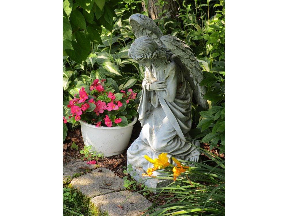 garden photography angel statue