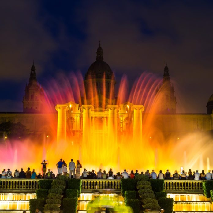 10 Beautiful Fountains Around the World (Besides Trevi)