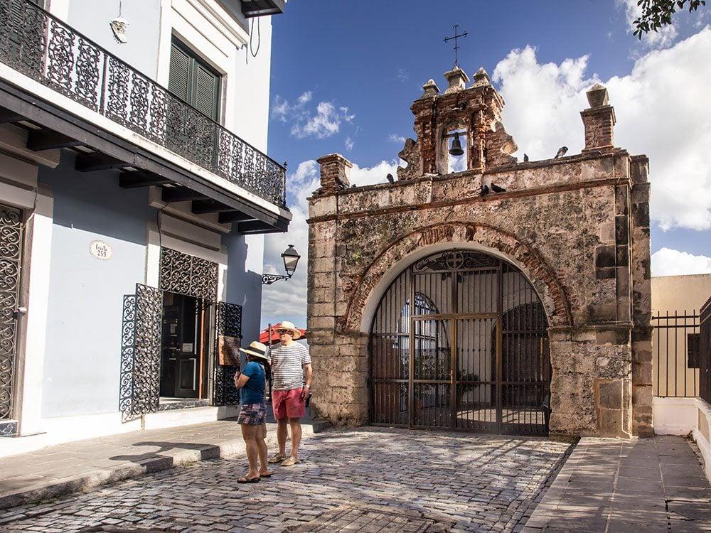 Puerto Rico facts - Calle del Cristo chapel