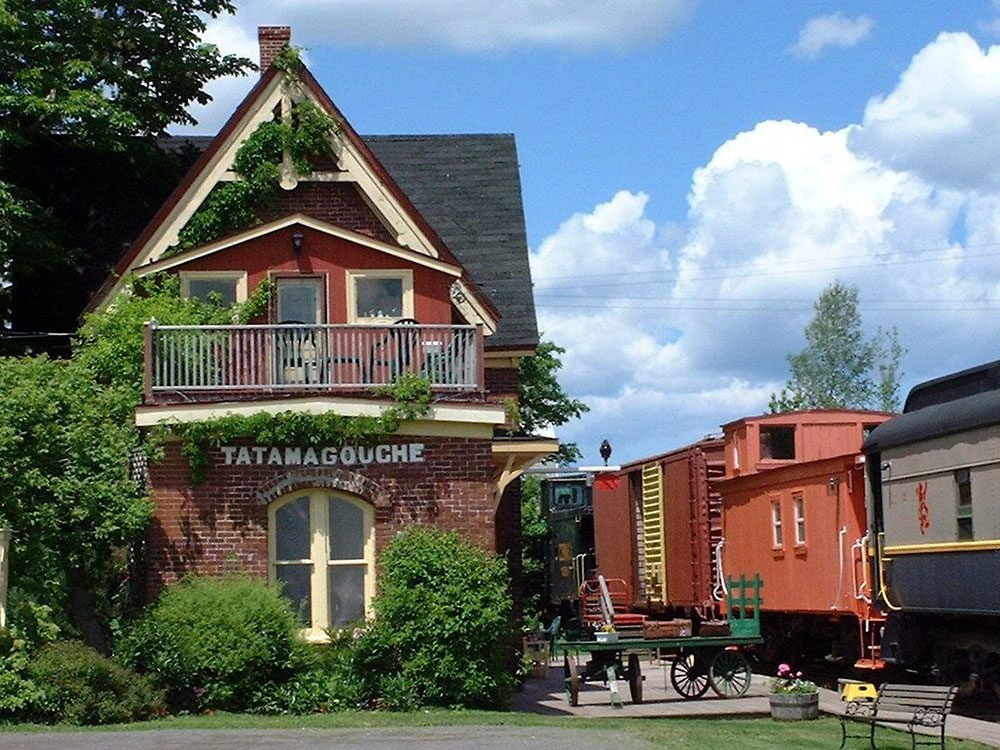 Quirky hotels across Canada - Train Station Inn