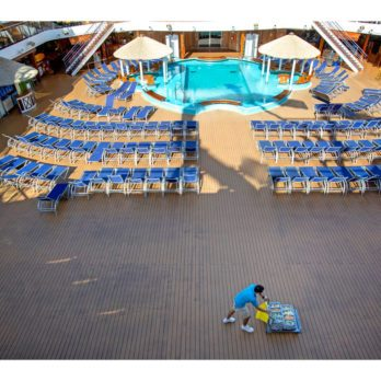 This is What Turnaround Day is Really Like on a Giant Cruise Ship