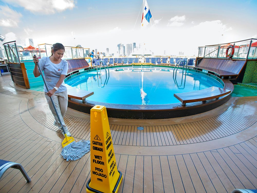 set sail pool cleaning