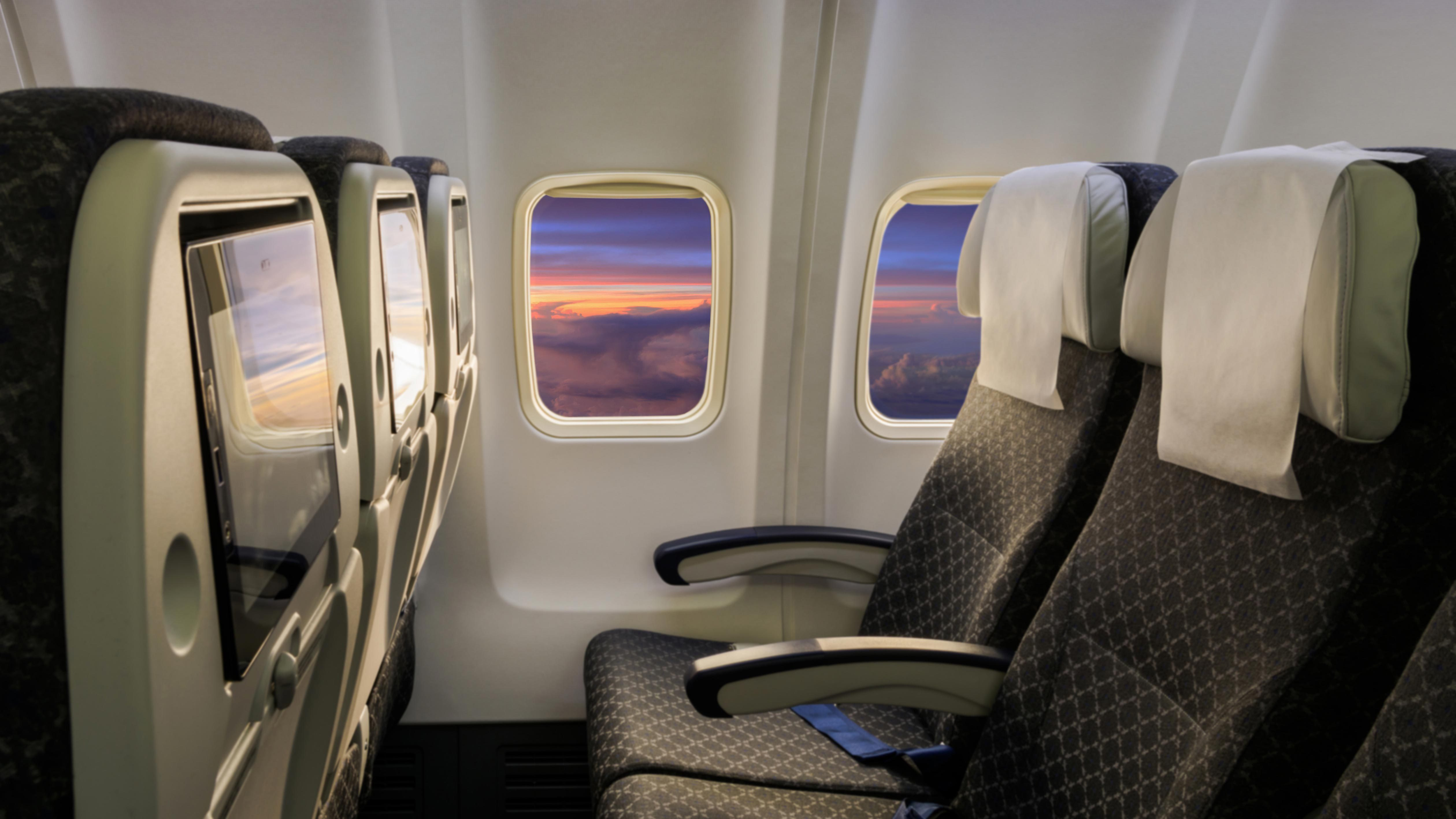 The Right Way to Germ-Proof Your Plane Seat | Reader's Digest