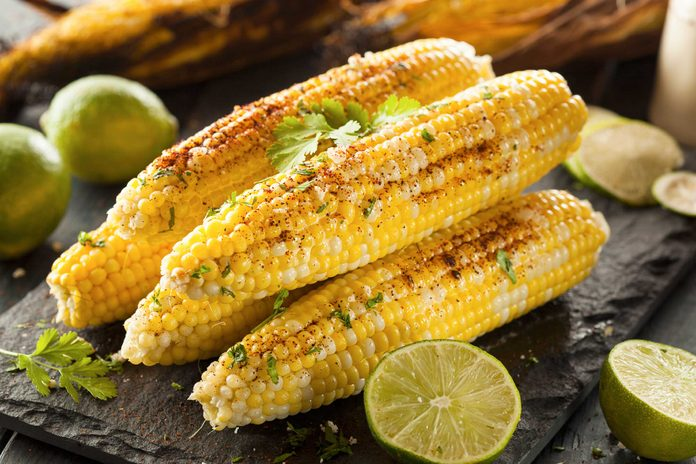 cooked and seasoned ears of corn