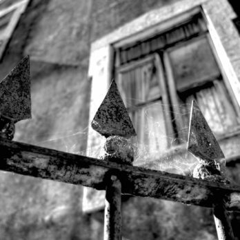 7 Signs Your House Could Be Haunted, According to Paranormal Experts
