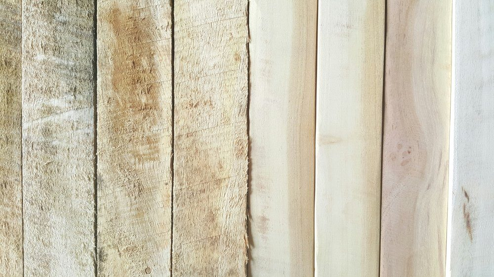 Wooden pallet (Before & After scrub)
