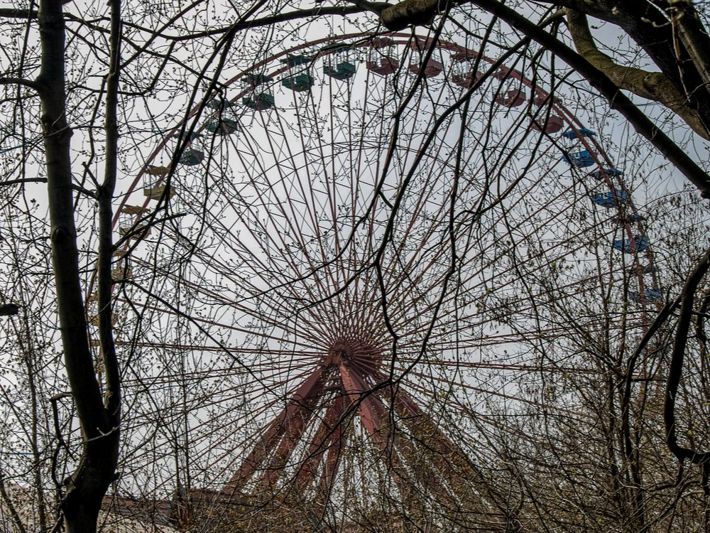 Overgrown Ferris wheel in Spreepark