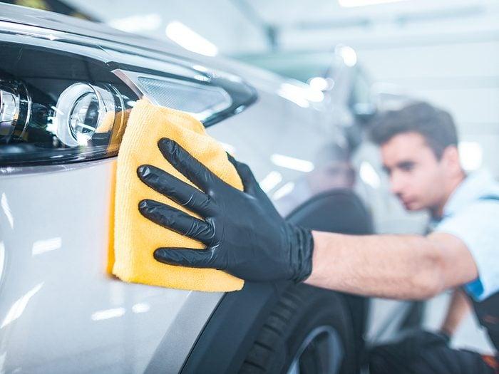 Polishing car paint scratches