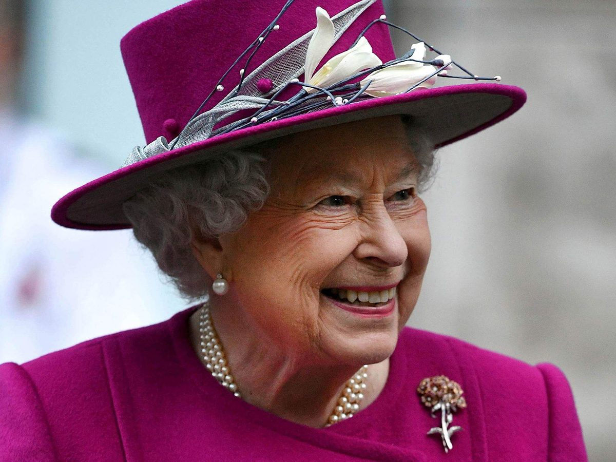 This-Is-What-Queen-Elizabeth-Gives-Her-Staff-for-Christmas_9239309g_AndrewParsonsREX